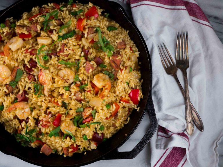 The best easy seafood paella